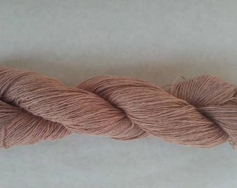 Hand-dyed hemp with natural colors (madder)