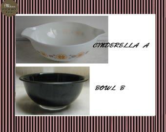 Pyrex Town  & Country 444 Cinderella Mixing Bowl- Black  Mixing Bowl 325