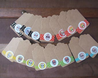 15 kraft tags decorated head of Mortcolorees measuring 4 x 7 cm