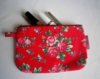 Makeup red floral fabric back - to - gift idea