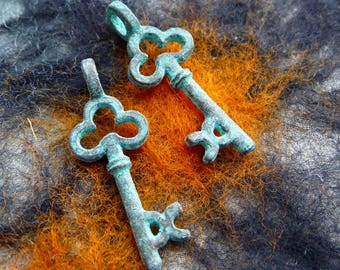Green Patina Copper Clover Key Charms, Pack of 6, Greek Metal, Mykonos Beads