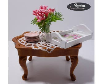 Girly occasional small table, 1:12 scale