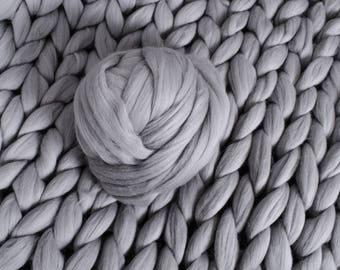 merino yarn, chunky, arm knitting , DIY Arm knitting merino wool. 3 inch stitch. Super Chunky merino wool yarn. Chunky Knitting, Giant Yarn