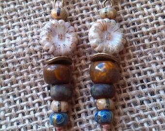 Earrings romantic ivory flower