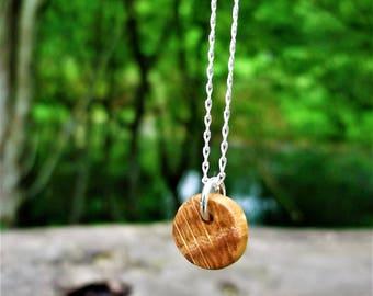 Fabriqués à la main petit bois Collier pendentif - Sequoia, anniversaire de 5 ans, 5e anniversaire bois, petit pendentif en bois sequoia, noces de bois
