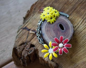 Handmade Reclaimed/Salvaged Wood Vintage Jewelry Floral Pendant Necklace Brown Leather Cord eco friendly boho statement OOAK live bark edge