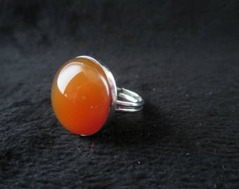 Adjustable ring with cabochon carnelian