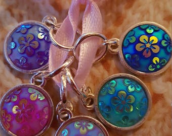 5 Knitting stitch markers. Shimmering  flowers