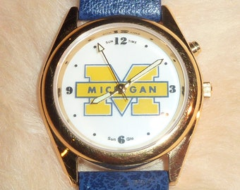 U of M Watch with Sun-Glo Dial