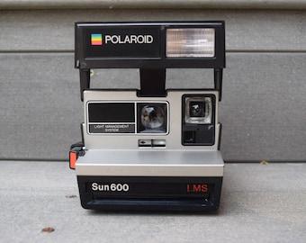 Vtg Polaroid Sun 600 Camera Photography