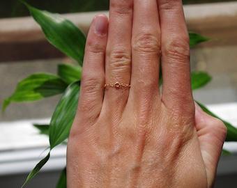 Fine chain ring 14 k gold