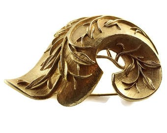 Sarah Coventry Golden Brooch Pin Superb J0083 Vintage Costume Jewelry