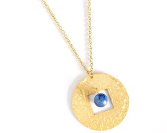Ma necklace gilded with gold end and semi precious stone