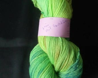 "100 g hand-dyed, 4fädige socks wool ""green with Farbkleks"""