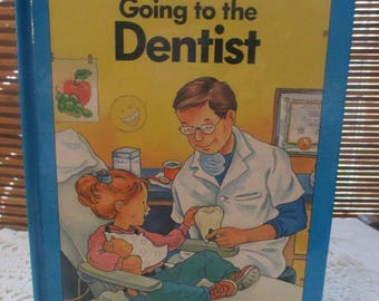 Pop Up Book Going to the Dentist  (1991)