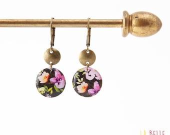 Small earrings ' sleepers earrings resin black flower pattern