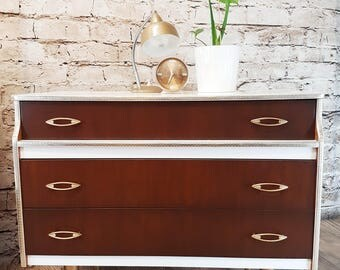 Stylish Vintage chest of drawers (Part of a retro bedroom set)