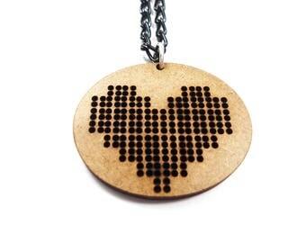 Choker necklace Geek nerd pixel art games - pixel heart recycling wooden