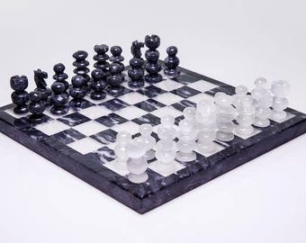Black and White Onyx Chess Set