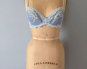 20% OFF SALE... periwinkle blue and lace bra || white floral lace bra || 80s underwire soft bra