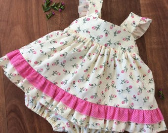 Baby Girls 2 piece Rose Bud Set. Baby Girls Cotton Top and Bloomers.