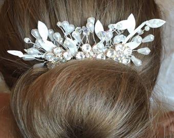 Ivory Bridal decorative comb, Bridesmaid hair comb, wedding hair comb, crystals, decorative comb, flower girl hair piece, bridal comb