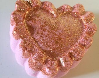 Heart  Bubble Bath Bomb Perfect for Valentines day Gifts. LUSH, Party Favors, Gift Sets, Unique gift, Bath bomb lovers