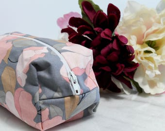 Pink Floral Makeup Bag, Pink Gray Makeup Bag, Makeup Bag, Cosmetic Bag, Floral Zipper Bag, Floral Zipper Pouch, Floral Makeup Organizer
