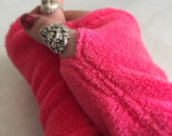 Fuchsia Hot Pink Magenta Fingerless Gloves Small Wrist Warmers Girls Childrens - FREE SHIPPING