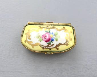 French Limoges porcelain box; Decor Main; Gift idea; Anniversary gift; Hand painted; Vintage box; Yellow box; Trinket box;