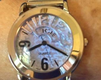 Geneva Watch Company vintage silver womans watch. Icie quartz fashion watch.
