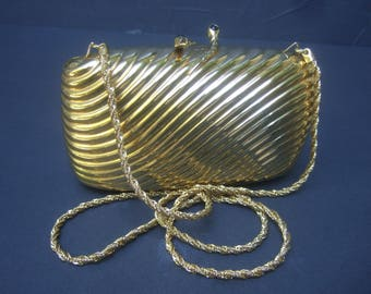 Opulent Italian Gilt Metal Serpent Clasp Evening Bag