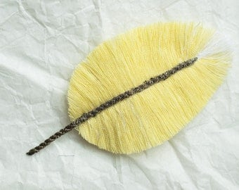 White crest Canary: Feather textile jewelry, jewelry bags, accessories, decoration...