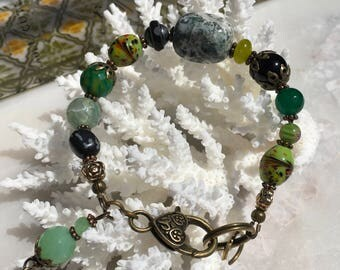 Beaded Vintage Bracelet, Charm Bracelet, Gemstone Jewelry, Bohemian, Gypsy, Hippie, Agate Bracelet, Linked Bracelet Heart Clasp, Romance