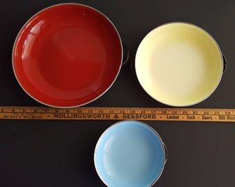 Enamelware Bakeware Set of 3 pans Red Yellow Blue