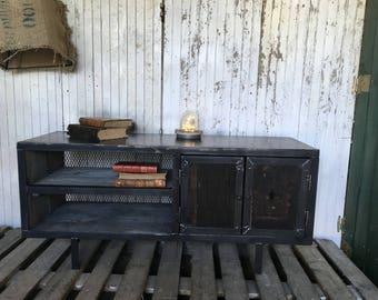 Row 5thdeco steel tv Cabinet