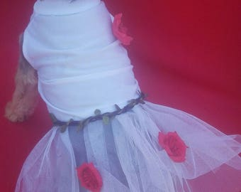 Dog dress, dog white dress with flowers, white dress with flowers for dogs, pets white dress, dress with flowers for pets
