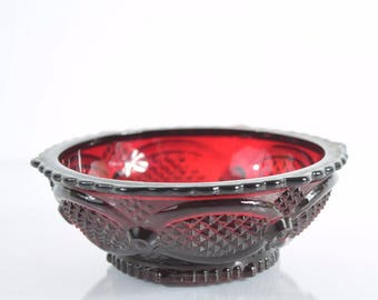 Avon 1876 Cape Cod Collection Ruby Red Glass Dessert Bowl