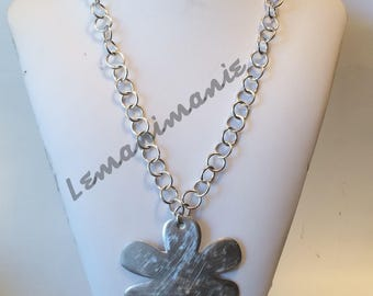 Wrought aluminium flower necklace/Big flower chain