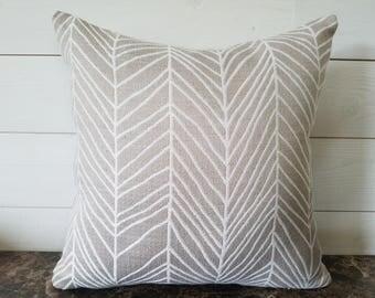 White and Tan Pillow Cover, Bedroom Decor, Accent Pillow, Toss Pillow, Throw Pillow, Cushion Cover, with Hidden Zipper, Sofa Cushion 16x16