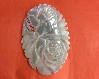 Vintage - Mother of pearl shell carving Flower broach pin