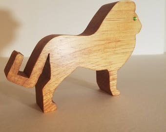 Lion cell phone stand