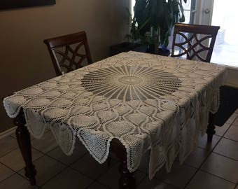 Crocheted Tablecloth with pineapple design