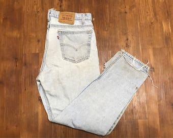 Vintage Levis Strauss 512 Jeans Distressed Denim light Blue 1990's Old school Hip Hop 36X30 Unisex style