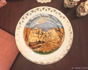 Vintage Mt Rushmore Black Hills South Dakota Souvenir Plate - Gold Trim - Collectible