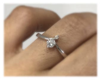 Stylish diamond ring, 18k white gold, round brilliant diamond , promise ring, anniversary ring.