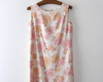 SUMMER SALE vintage 1960s floral dress // 60s floral shift dress