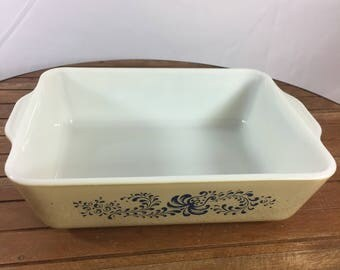 Vintage Pyxrex Homesteead Pattern 1.5qt Baking Dish Casserole 503-B Rare Size