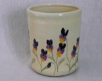 Utensil jar. Wine cooler. Utensil pot. Pottery utensil pot. Viola design.