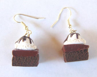 Polymer Clay Brownie Sundae Earrings - Clay Food Charm - Vanilla Ice cream Jewelry - Handmade handcrafted - Chocolate Syrup - Hot Fudge
